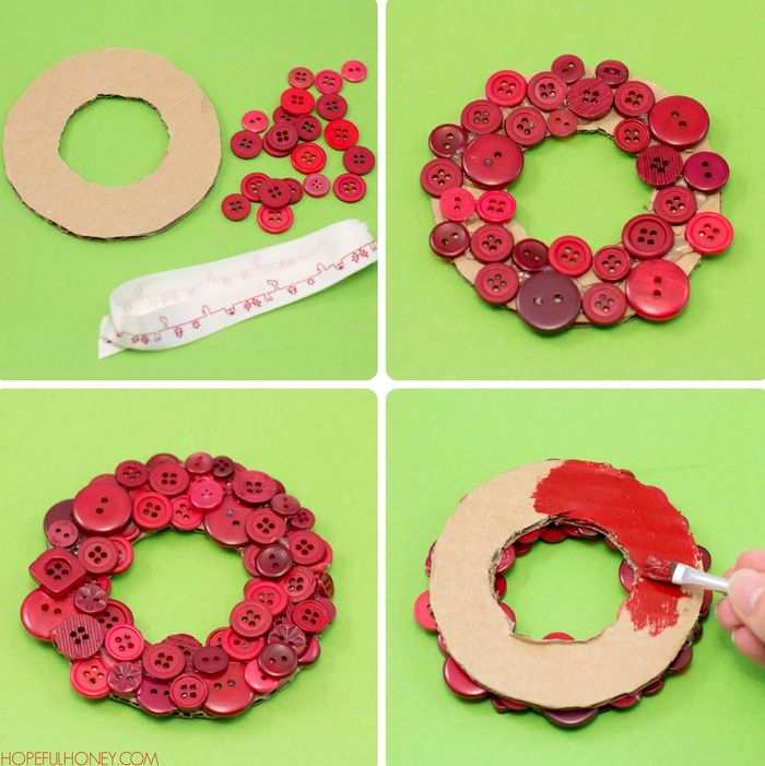 Christmas wreath from buttons with own hands