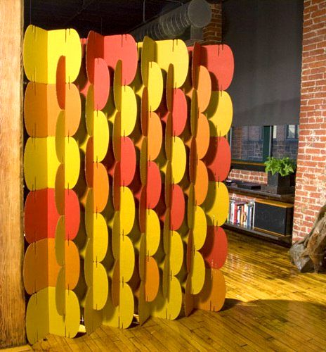 a screen of cardboard with their own hands - ovals