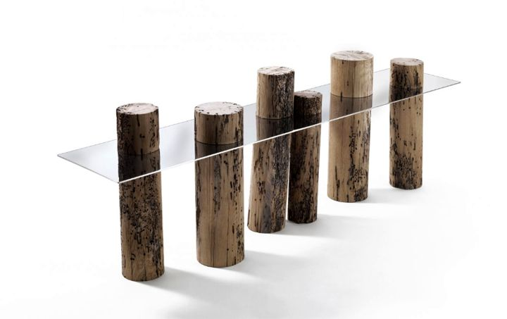 Venice table made of natural wood and steel
