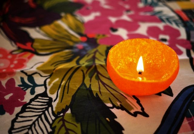 A mandarin candle with your own hands