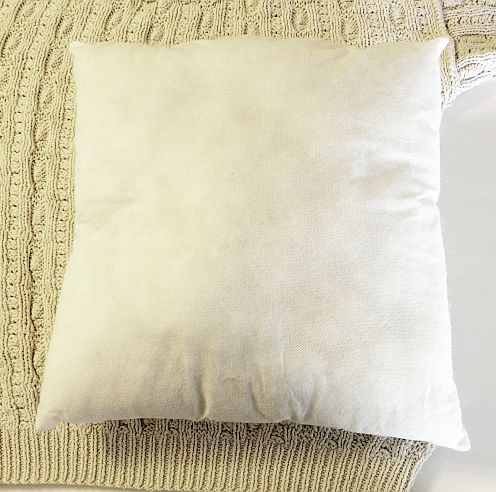 masterclass of pillows from old sweaters