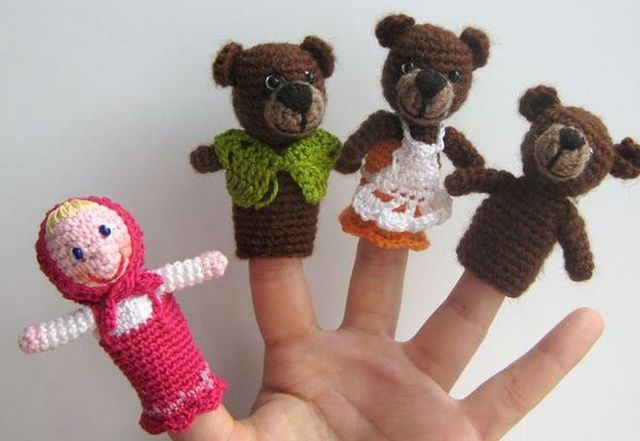 Dolls for fairy tales Three bears knitted step 1