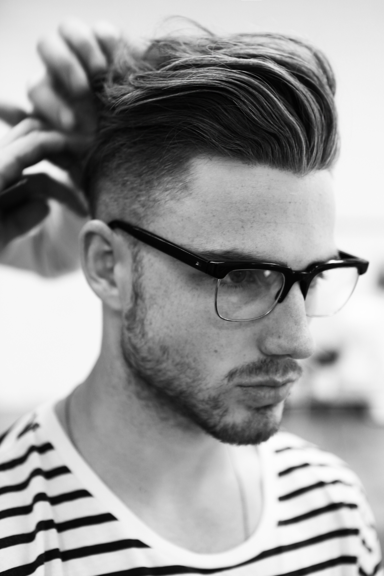 Simple fashionable men's hairstyles. Photo №4