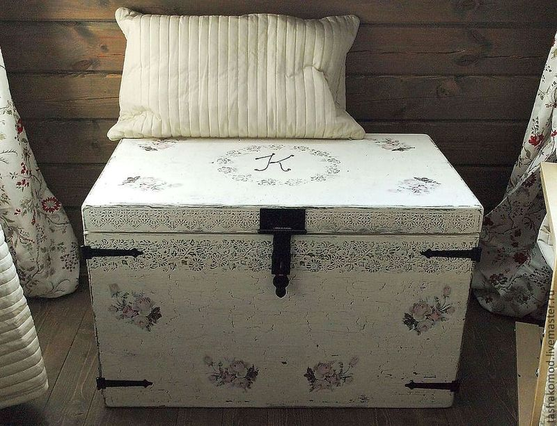 bedside table with your own hands from the chest
