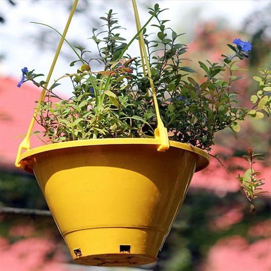 Hanging pots for the garden
