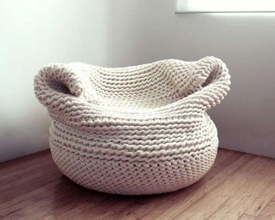 knitted pouch for round pouf