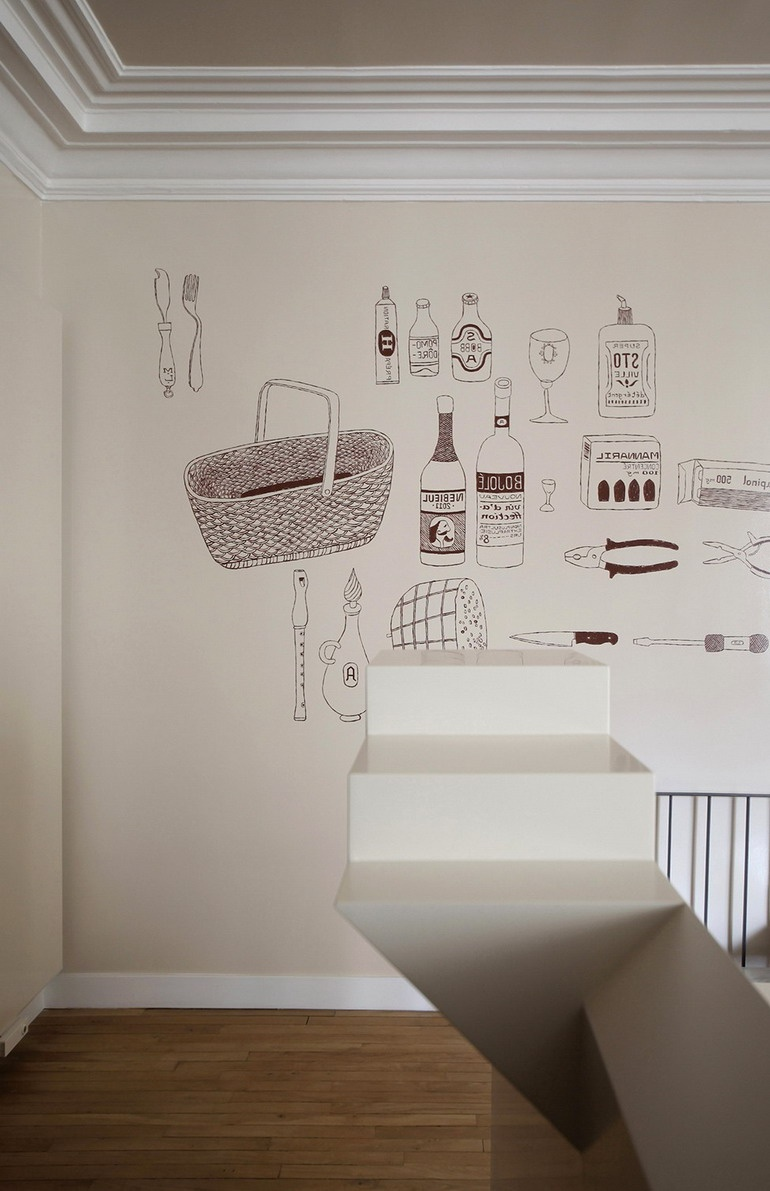 Wall paintings based on the Little Red Riding Hood story