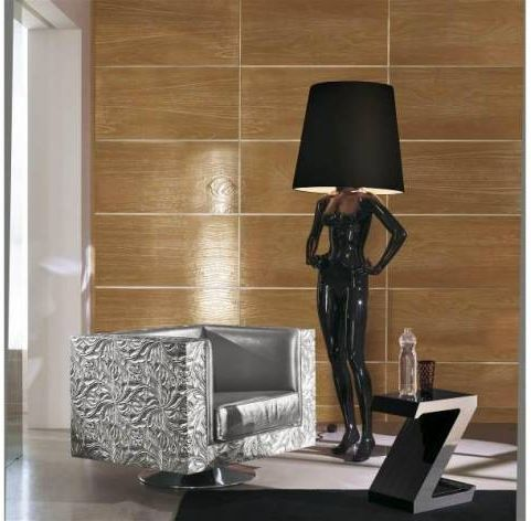 floor lamp in the form of a woman