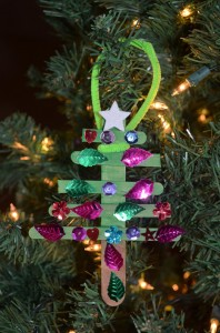 Christmas tree toy with own hands. Crafts for kindergarten