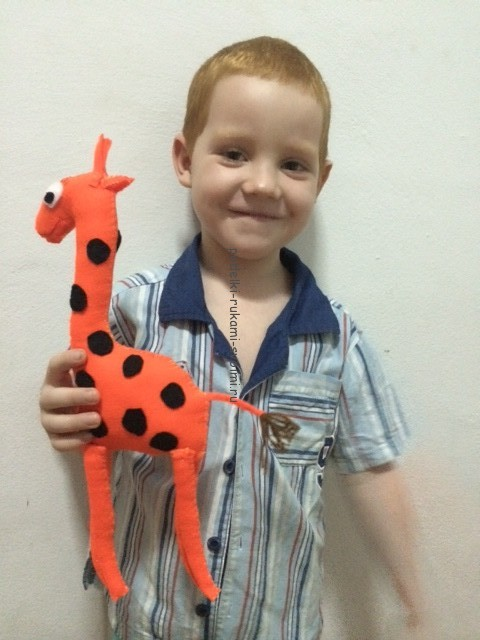 giraffe made of felt (7)